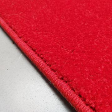 Chodnik dywanowy  jednolity czerwony Bambino 60-100cm